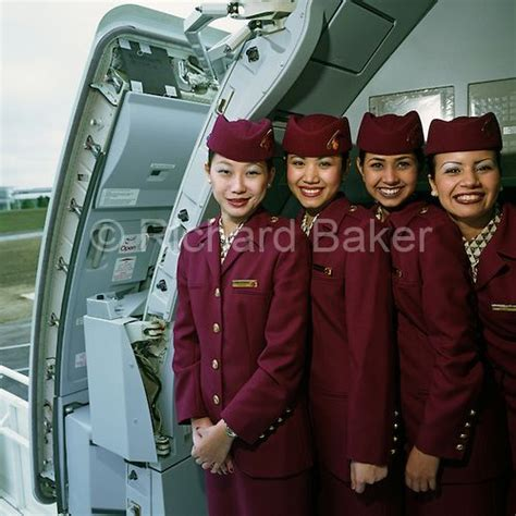 What To Wear To Cabin Crew by Cabin Crew Members Wear The Uniforms Of Qatar Airways