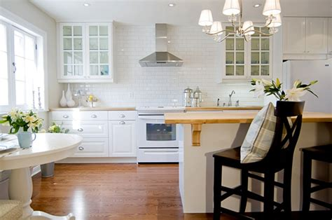 backsplash ideas for white kitchen white subway tile kitchen backsplash ideas kitchenidease