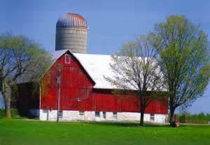 barn with silo file barn silo jpg