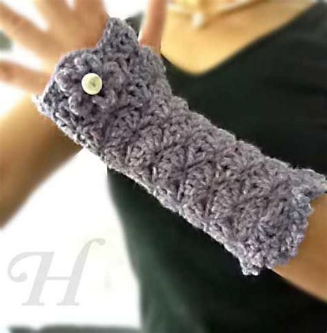 free pattern wrist warmers crochet free crochet wrist warmer patterns handmade crafts
