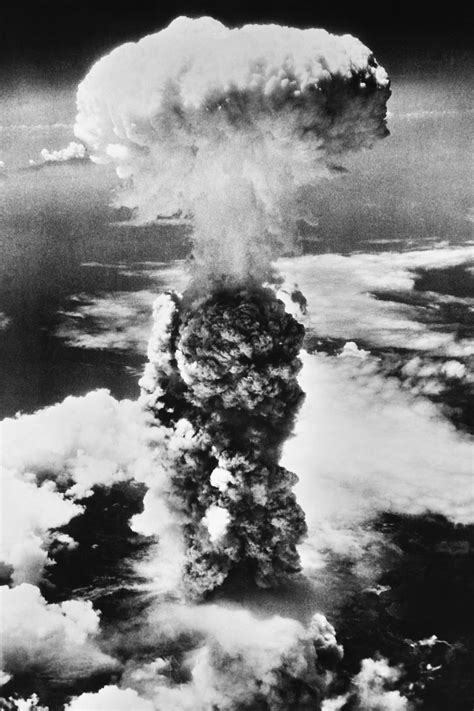 by the numbers world war iis atomic bombs cnncom wwii atomic bomb atomic bomb facts for kids dk find out