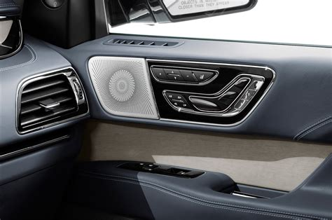 lincoln navigator 2017 interior 2018 lincoln navigator first look review motor trend