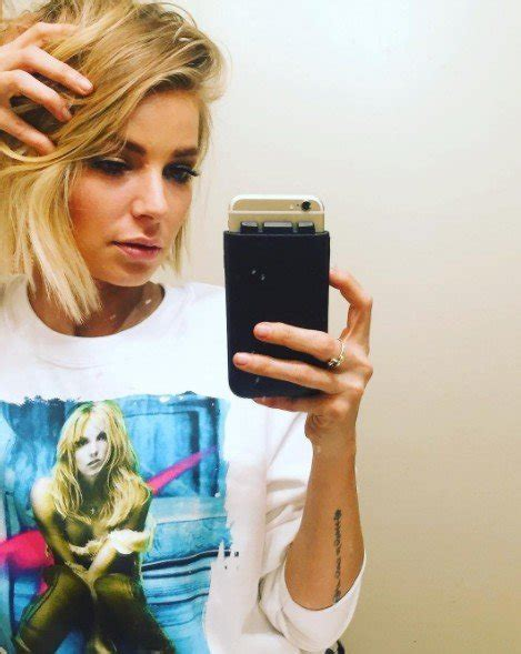 ariana madix hairstyle ariana madix changes up her look with a major haircut