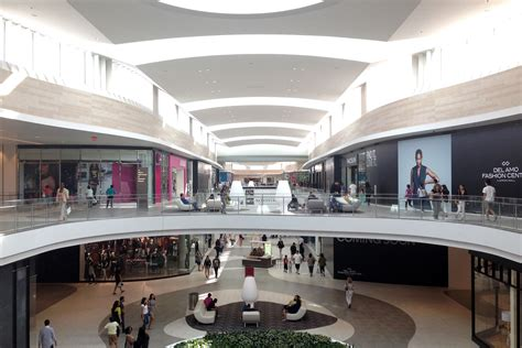 del amo fashion center 493 photos shopping centers 25 free and air conditioned spots to help you survive a
