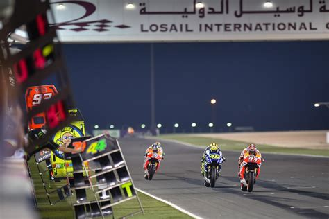 Motorradrennen Katar motogp marc m 225 rquez wins epic opener in qatar photo