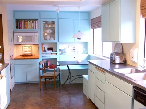 Julies Kitchen by 8 Small Er Kitchens Readers Cook In Hooked On Houses