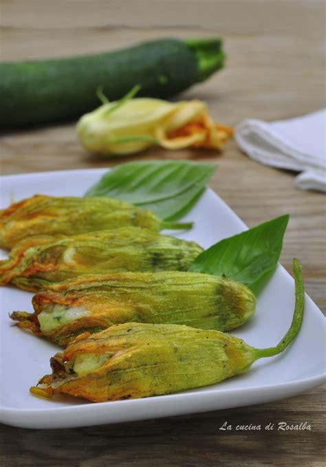 fiori di zucca e zucchine ricette fiori di zucca ripieni di patate e zucchine la cucina di