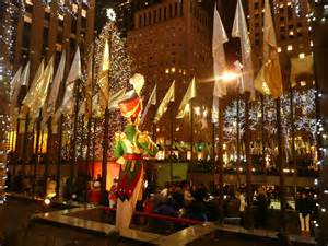 christmas tree and musical player in rockefeller center