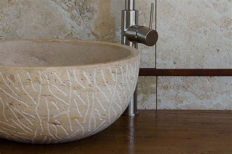 bagni con lavabo in pietra fiano decor lavabo da appoggio decorato va052chd