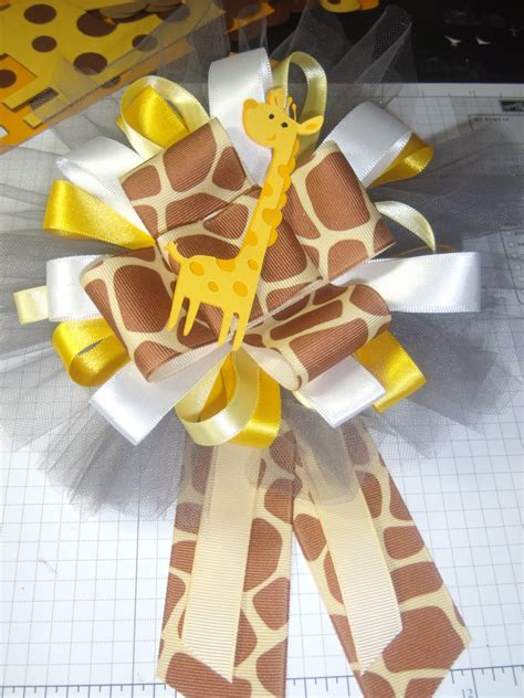 Giraffe Centerpieces For Baby Shower by The World Of Crafty Qt A Giraffe Baby Shower