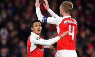 alexis sanchez daily mail arsenal man per mertesacker wants alexis sanchez to stay