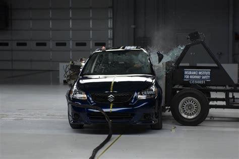 Suzuki Crash Test Wrecked Iihs Suzuki Sx4 Crash Test
