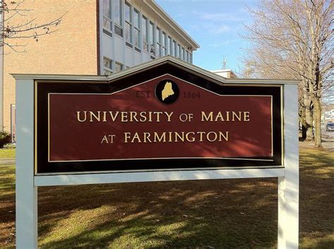 Of Maine Mba Cost by The Of Maine At Farmington Scores Costs