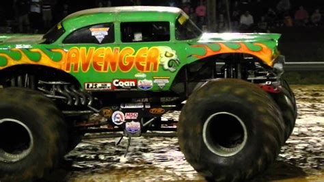 monster trucks video youtube avenger monster truck freestyle youtube