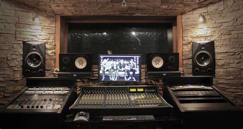 7 Big DJ/Producer Myths Busted   Digital DJ Tips