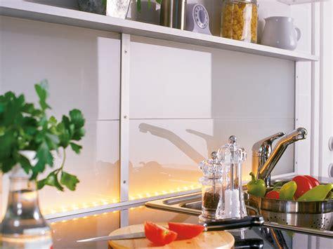 piano della cucina controparete luminosa in cucina bricoportale fai da te