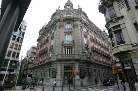 banco popular gijon caja cantabria pone en venta los pisos m 225 s caros de gij 243 n
