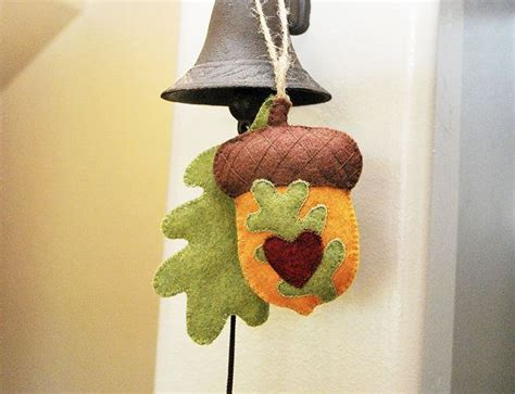Large handmade acorn oak leaf felt ornament by 2dogs1coffee 21 00