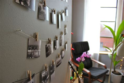 diy mini clothespin picture display niftythriftygoodwill