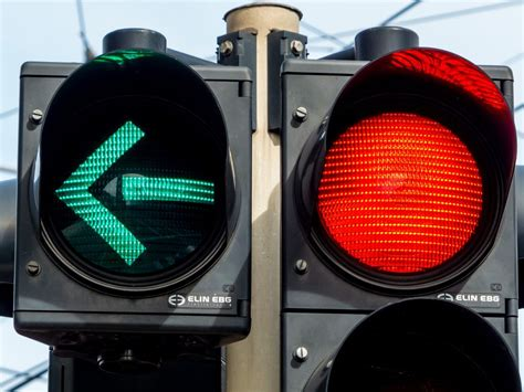 car accidents caused by traffic lights auto accidents and red lights scranton pa