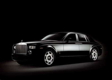 bentley phantom brand battle bentley vs rolls royce