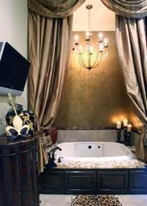 Bathtub Curtain Sean And Beth Payton S Mandeville Home The Chandelier A