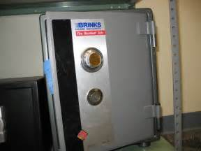 brinks home security safe surplus auctions item detail