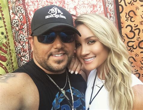 2016 jason aldean wife jason aldean and wife treat fans to candid q a country