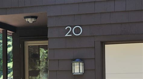 modern house numbers house numbers on house www imgkid com the image kid has it