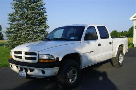 2000 dodge dakota 4 door find used 2000 dodge dakota sport crew cab 4