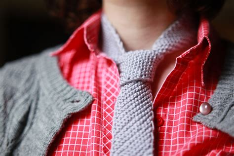 how to knit a tie into some at s