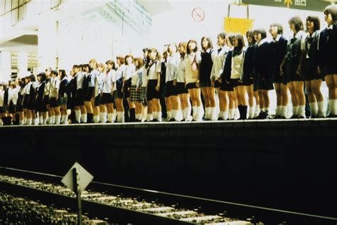 film riaru onigokko sinopsis cine monogatari suicide club 2002