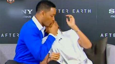 fotos de willi smith desnudo jaden smith kissing