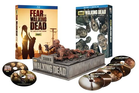 The Walking Dead Giveaway - 2015 holiday gift guide for the pop culture addict in your life