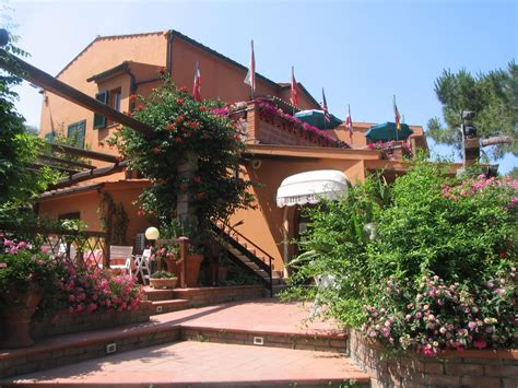 residence dei fiori marina di co residence dei fiori residence dei fiori pietra ligure it