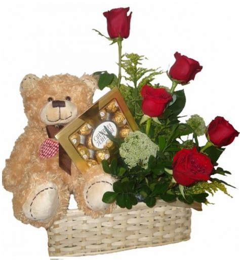 imagenes de rosas y peluches arreglos florales con osos de peluche y chocolates