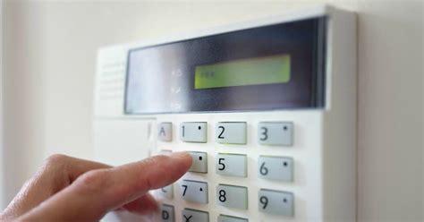 huis beveiligen alarmsysteem je huis beveiligen zo houd je ongenode gasten buiten de deur