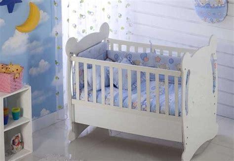 puset ekilli ve beyaz renkli bebek be ik modelleri on pinterest ayıcık başlıklı şık beyaz renkli bebek beşik modeli