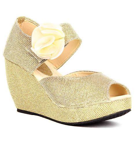 Sandal Wanita Fladeo Gold Kotak anand archies gold wedges sandals price in india buy anand archies gold wedges sandals