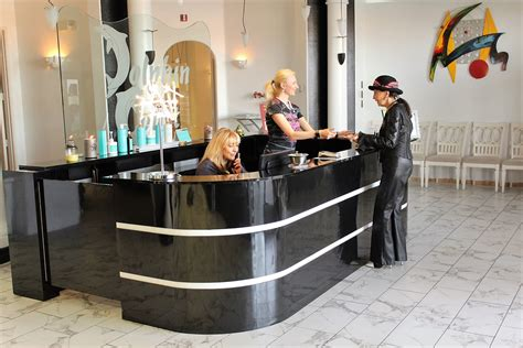 salon front desk jobs employment opportunities las vegas nv dolphin court