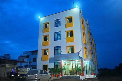 Sukrangu Palace Shirdi India Asia hotel sai aditya palace desde 242 shirdi india