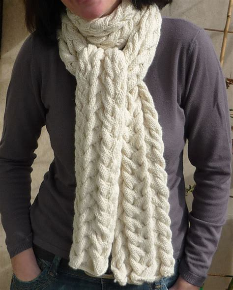 modification moday cable scarf knitted bliss