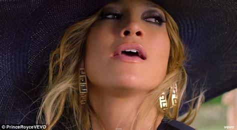 what lipgloss does jennifer lopez wear on american idol jennifer lopez lip gloss jennifer lopez in prince royce s