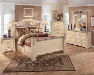 Silverglade Bedroom Set dormitoare elegante 238 n stilul vintage idei de amenajare