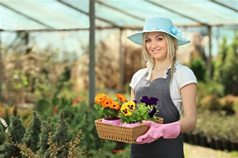 what of garden clothes should you