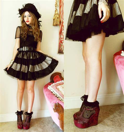 Zeva Dress By D Lovera bebe zeva chic wish romy n inspired dress nine west wine velvet wedges