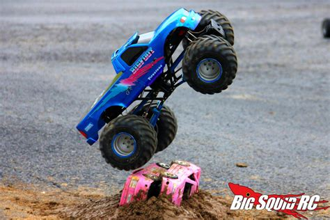 rc monster truck everybody s scalin for the weekend trigger king r c mud
