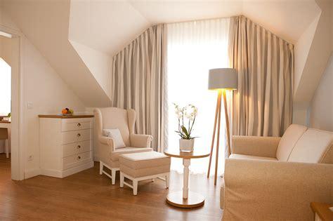 wohnzimmer quelle wohnzimmer junior suite quelle c hotel restaurant fuchsbau