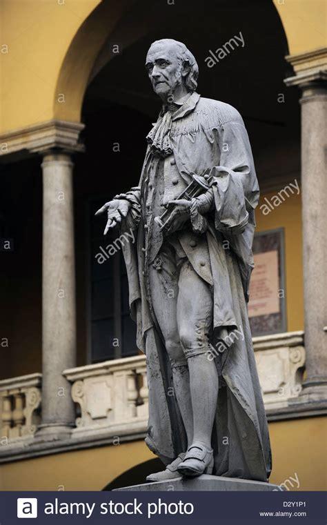 alessandro volta pavia alessandro volta 1745 1827 italian physicist statue