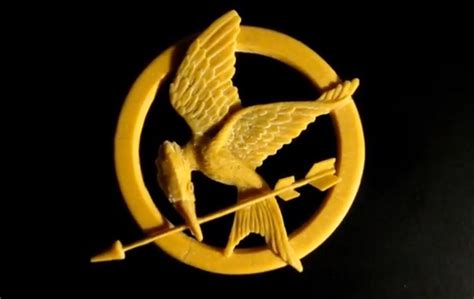 How To Make A Mockingjay Pin Out Of Paper - tutorial mockingjay pin made with polymer clay from quot the